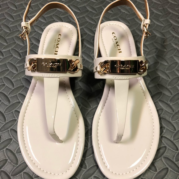 b02f9e29c62a NWOT COACH Chalk Caterine Patent Thong Sandals 6